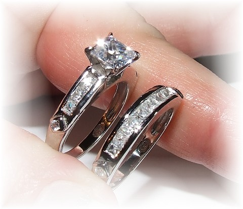 Choosing The Perfect Princess Cut Engagement Ring For Her vTecki