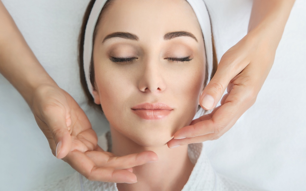 Reasons You Should Talk To Professionals About Your Skin